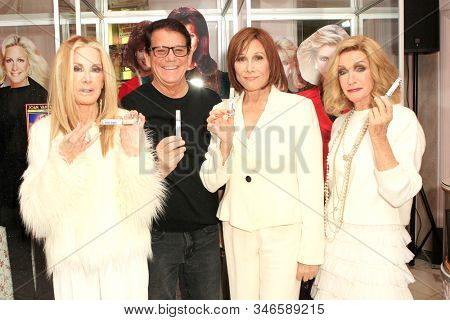 LOS ANGELES - JAN 18: Joan Van Ark, Anson Williams, Michele Lee, Donna Mills at the Hollywood Museum's celebration for the 40th Anniversary of