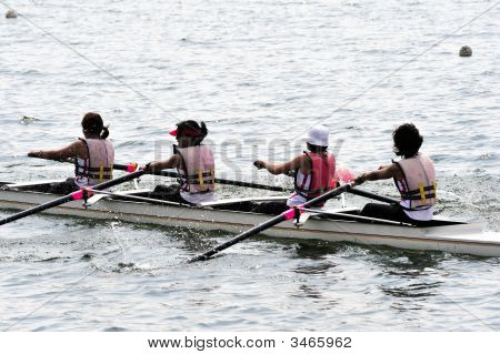 Rowing Teamwork