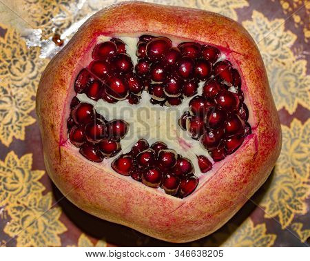 Big Red Pomegranate , Keep One Ripe Pomegranate Outdoors, Colorful Pomegranate Slices, Cut In Half,