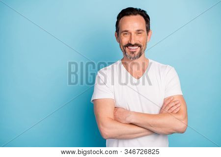 Portrait Of His He Nice Attractive Cheerful Cheery Glad Content Mature Guy Self-employed Freelancer