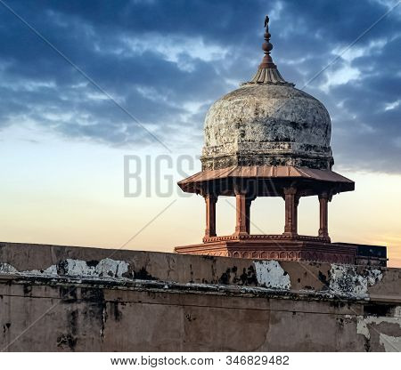 Agra, Uttar Pradesh, India - December 1:tower On The Agra Red Fort Walls On December 1, 2018 In Agra