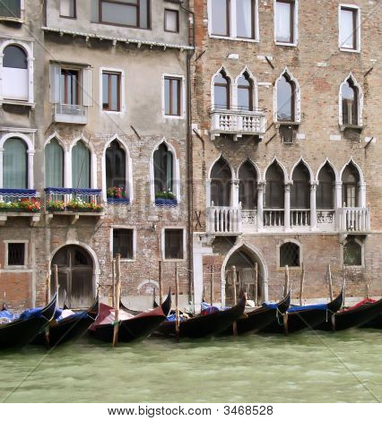 Venetian Houses & Gondolas At Canal Grande
