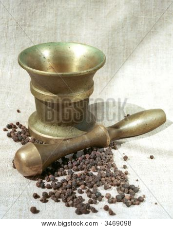 Pepper, Copper Pounder And Pestle
