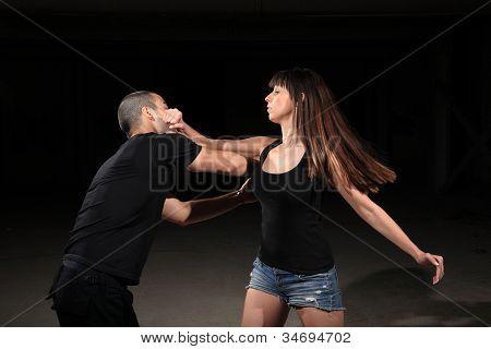Instrutor de artes marciais feminino