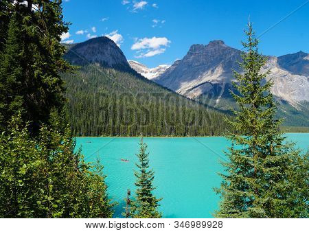 The Gorgeous Turquoise Water Of Moraine Lake, And The Towering Mountains Around It Make A Perfect Se