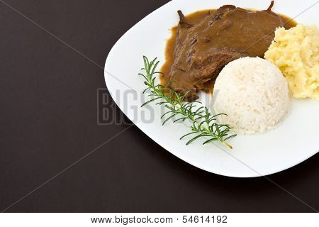 Roast eye of round with roti sauce dish