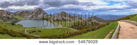 Panoramic Enol Lake