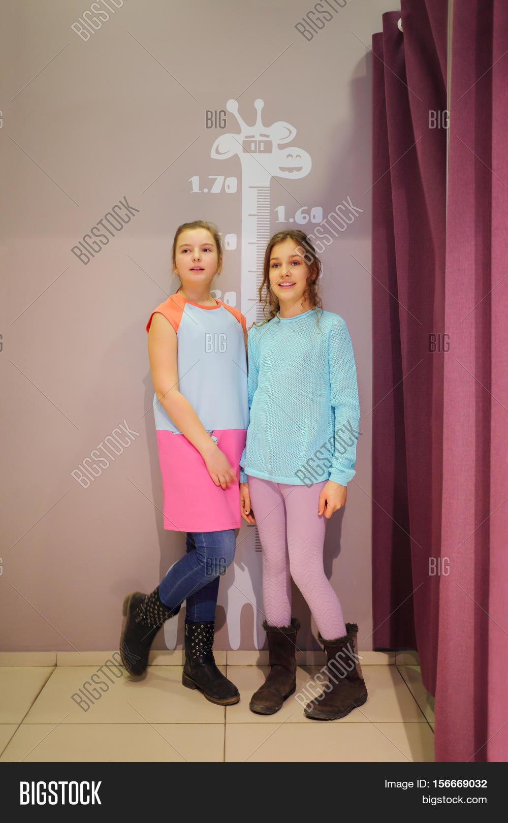 Public Dressing Room Creampie