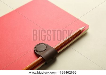 Usage example of multifunctional magnetic clip as stationery holder