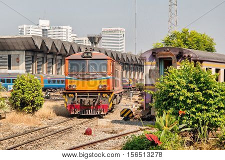 BANGKOK, THAILAND - FEBRUARY 04,2015: Train at railway station Hua Lamphong in Bangkok. Hua Lamphong opened in 1916 and serves apprx 70,000 passengers and 150 trains each day.