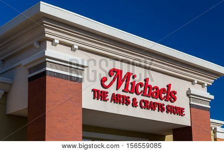 Michaels Retail Store Exterior And Sign