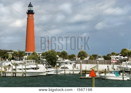 Lighthouse Marina