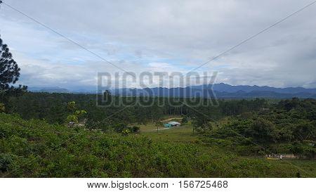 pueblo indigena pech en Honduras con bosque de pino al rededor