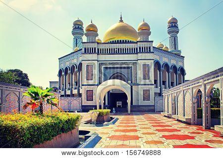 The Sultan Omar Ali Saifudding Mosque Bandar Seri Begawan Brunei Southeast Asia