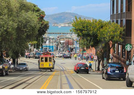SAN FRANCISCO, CALIFORNIA - MAI 23, 2015: View of the Hyde Street in direction North in San Francisco on Mai 23, 2015. This view provides a nice view to the streets of San Francisco.
