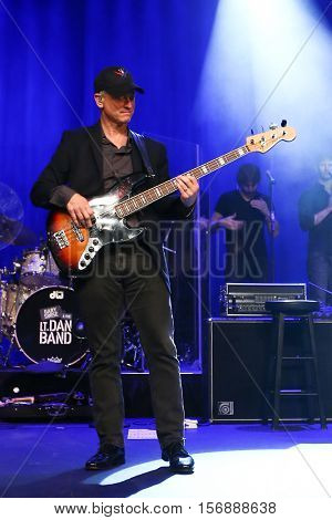 NEW YORK - MAY 21: Actor Gary Sinise performs onstage with his Lt. Dan Band at a benefit concert at the Hard Rock Cafe on May 21, 2015 in New York City.