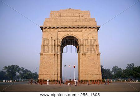 india gate against the evening sky, delhi, india