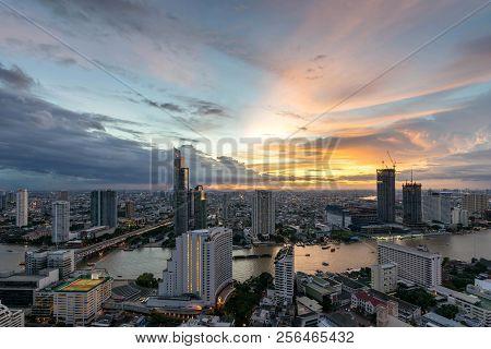 Night Of The Metropolitan Beautiful Sunset Curve Chao Phraya River Long Exposure Light Bangkok City