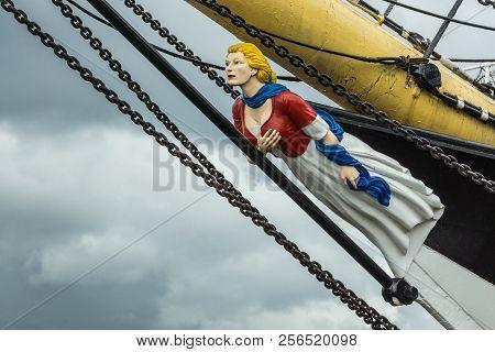 Glasgow, Scotland, Uk - June 17, 2012: Closeup Of Figurehead Representing Blonde Woman With Gray Dre
