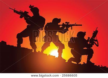 Silhouette der drei Soldaten auf dem Schlachtfeld