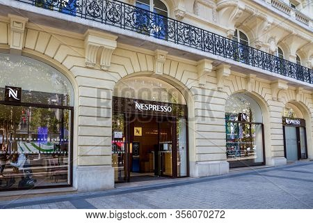 Paris/france - September 10, 2019 : The Nespresso Coffee Store On Champs-elysees Avenue