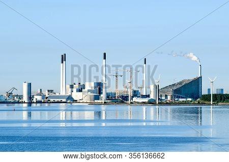 Incineration Plant Amager Slope (amager Bakke) In Copenhagen, Denmark