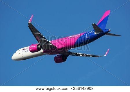 Budapest / Hungary - November 11, 2019: Wizz Air Airbus A321 Neo Ha-lva Passenger Plane Departure An