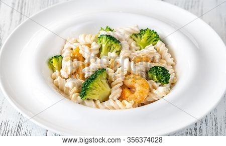 Fusilli Pasta With Broccoli, Shrimps And Creamy Sauce