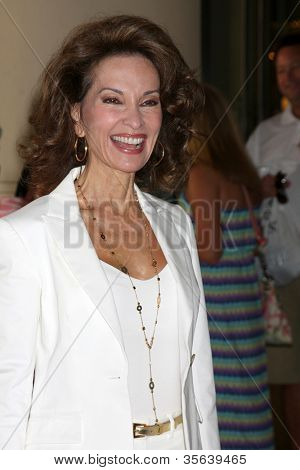 LOS ANGELES - AUG 2:  Susan Lucci arrives at the Cable TCA Press Tour at Beverly Hilton Hotel on August 2, 2012 in Beverly Hills, CA