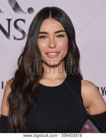LOS ANGELES - JAN 27:  Madison Beer {Object} arrives for the Premiere Of YouTube Originals'