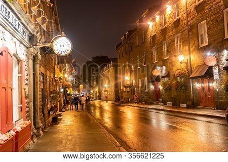 Quebec, Canada Sept 3, 2018:illuminated Famous Street At Night In Quebec City Quebec Qc Canada