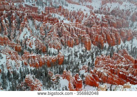 Hoodoos In Bryce Canyon Nationalpark In Winter