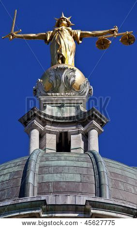 Lady Justice Statue Ontop Of The Old Bailey In London