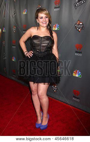 LOS ANGELES - MAY 8:  Amber Carrington arrives at