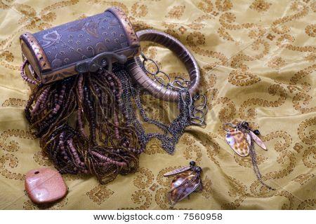 Overflowing Treasure Chest - Jewellery, Bracelet