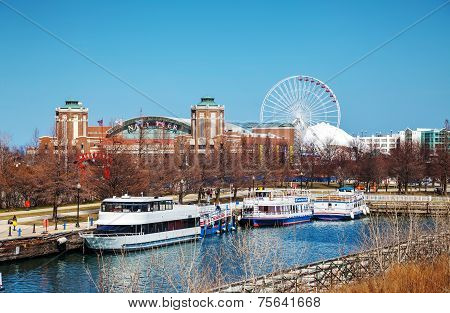 Navy Pier In Chicago In The Morning