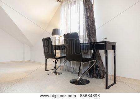 Esthetic Study Room