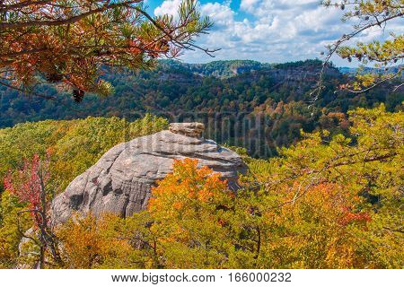 Courthouse Rock at Red River Gorge Kentucky. Daniel Boone National Forest in Autumn.