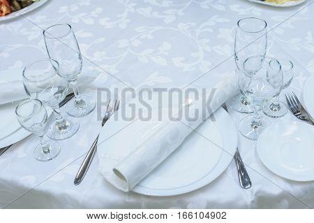 Clean Plates, Glasses