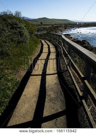Walk way around ocean in California route