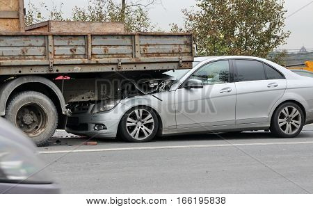 road the auto accident due to speeding