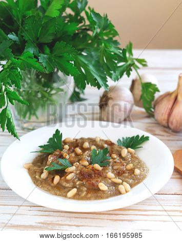 Baba Ganoush - Traditional Arabian Eggplant Dip With Flat Bread