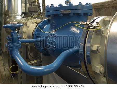 pipeline water large and small blue valve