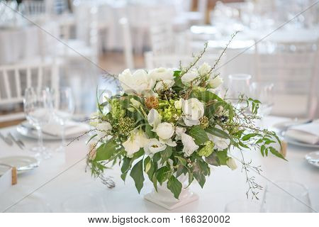 flower bouquete decoration careing interior serviette table