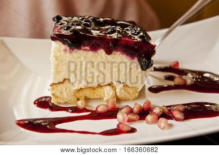 Cheesecake with berry topping - tasty dessert