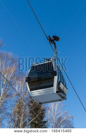 Cabin Lift On The Rope
