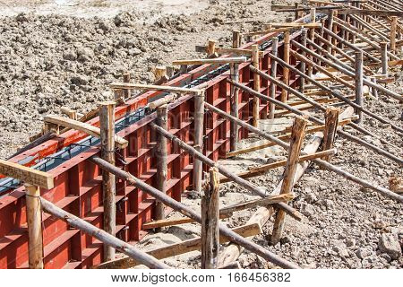 Reinforcement metal framework for concrete pouring construction house