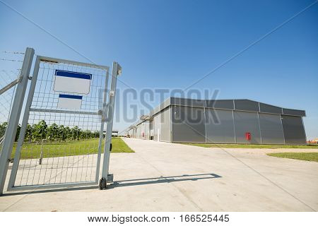 Automatic gate ensuring property security and building