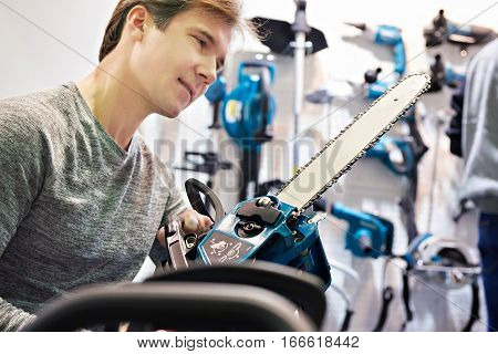 Man Chooses Chain Saw