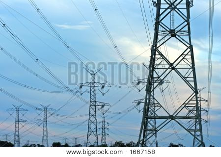 Powerlines 10